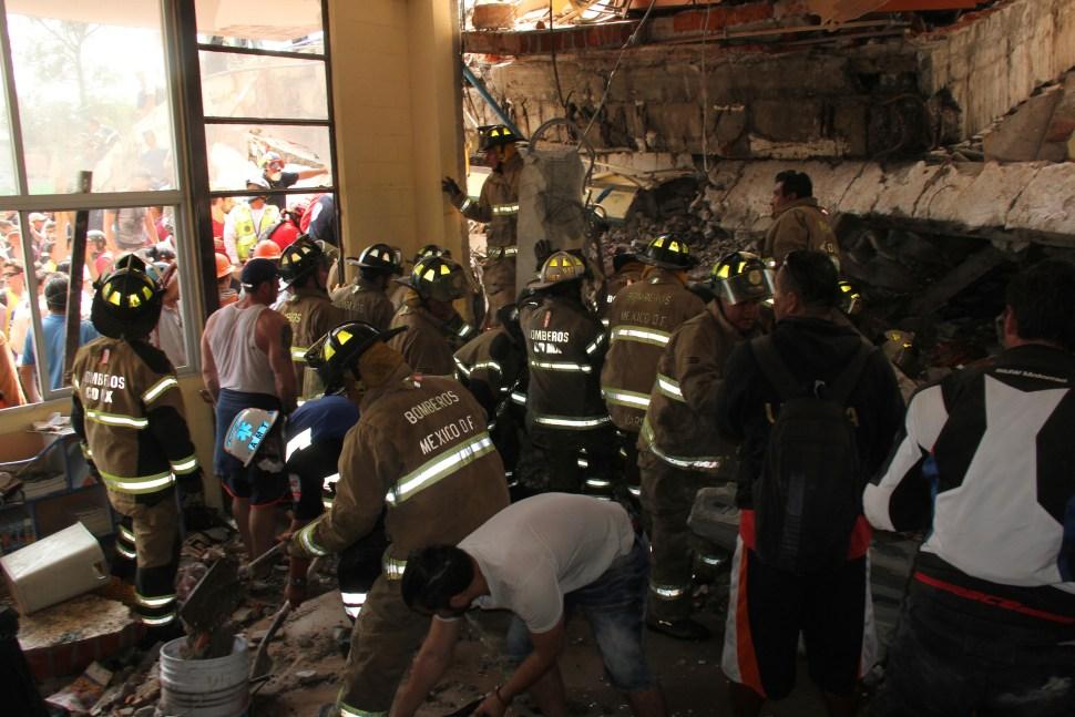 Suman 22 muertos tras colapso de Colegio en CDMX; entre ellos 20 niños
