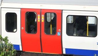 Dan cadena perpetua a terrorista que colocó bomba en Metro de Londres. (Reuters)