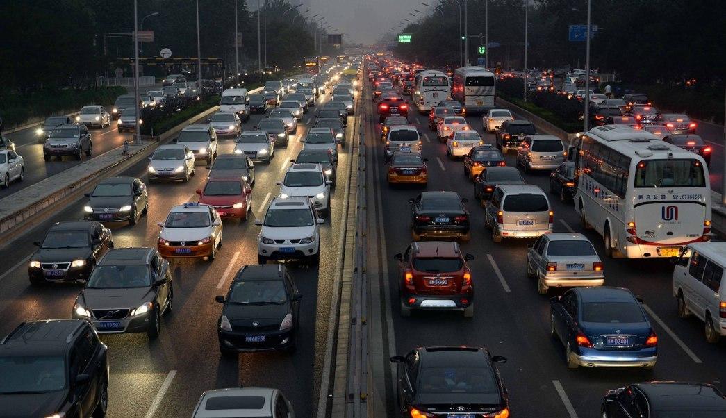 China podría dejar de fabricar autos que funcionen con gasolina