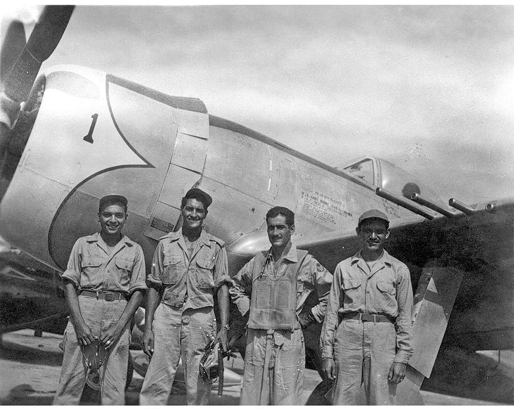 Aztec_Eagles_P-47D-escuadron-201