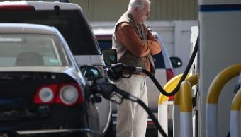 Baja la gasolina en Estados Unidos