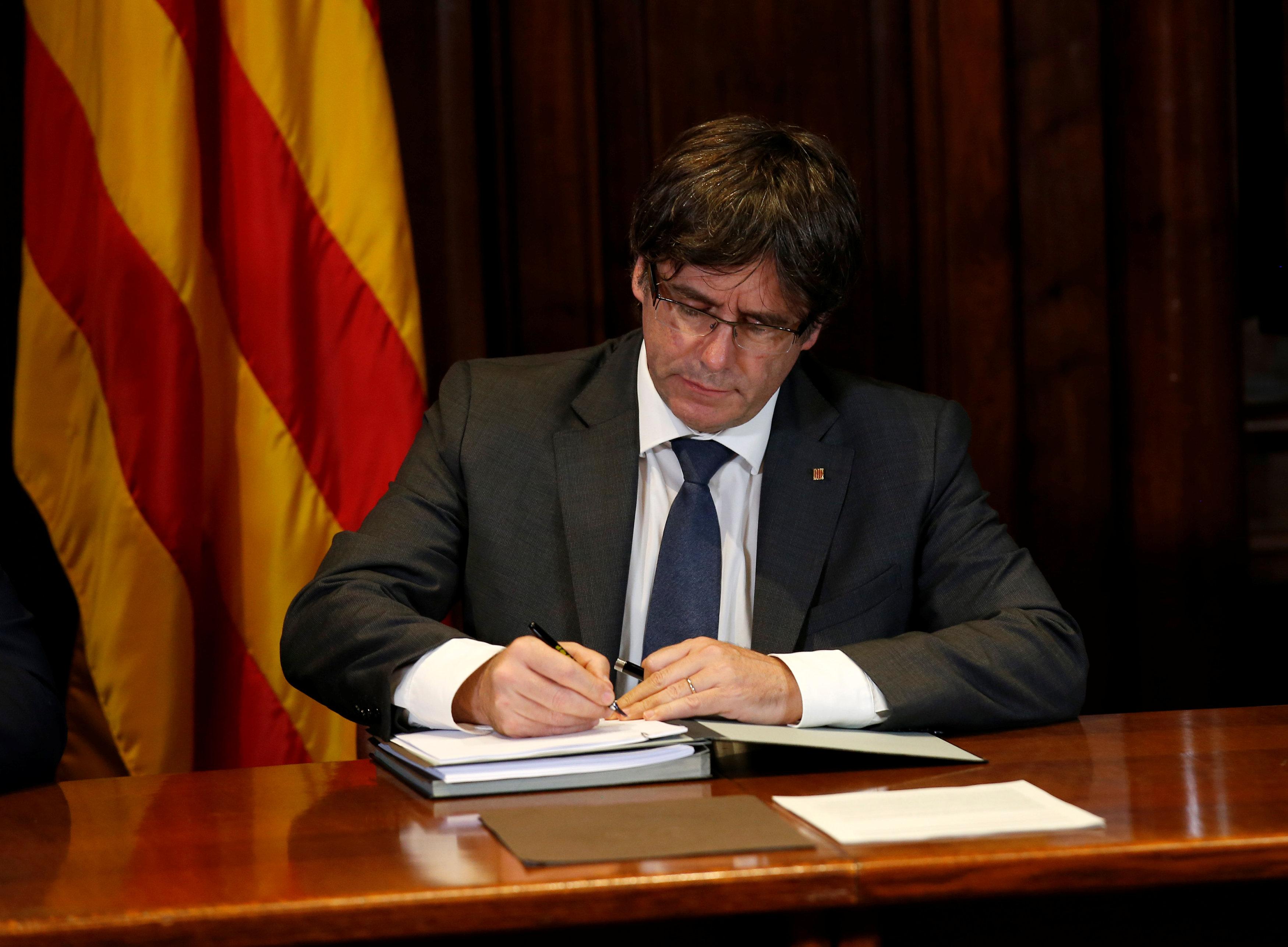 Parlamento catalán aprobó la ley para amparar referéndum de independencia
