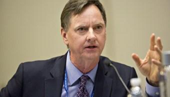 Charles Evans pide a Fed ver señales antes de aumentar tasas