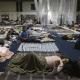 Cientos de personas que perdieron sus viviendas permanecen en albergues