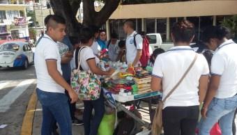 poblacion de acapulco manda ayuda para damnificados por sismo