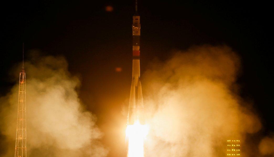 Despega nave Soyuz tres astronautas estacion espacial internacional