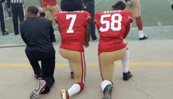 Colin Kaepernick y Eli Harold Futbol Americano