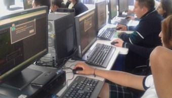 se graduan tecnicos informatica conalep apoyo becalos