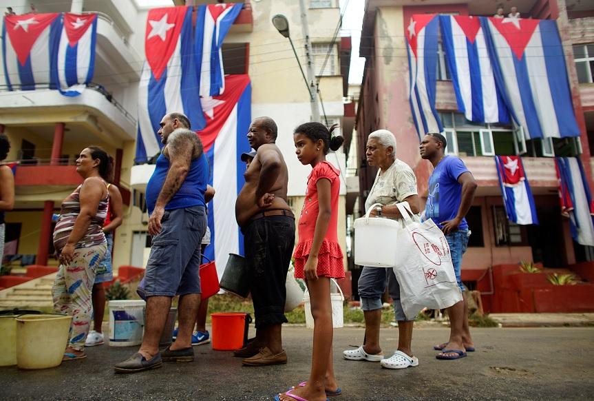 EU pide a sus ciudadanos no viajar a Cuba por destrozos de 'Irma'