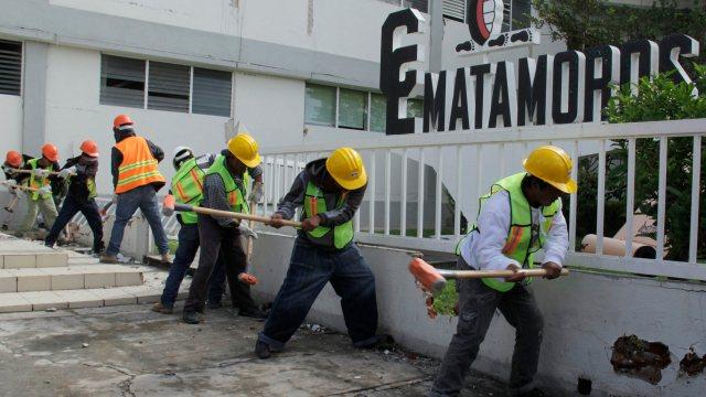 Antonio Gali encabeza reconstrucción en la Escuela Lázaro Cárdenas en Izúcar
