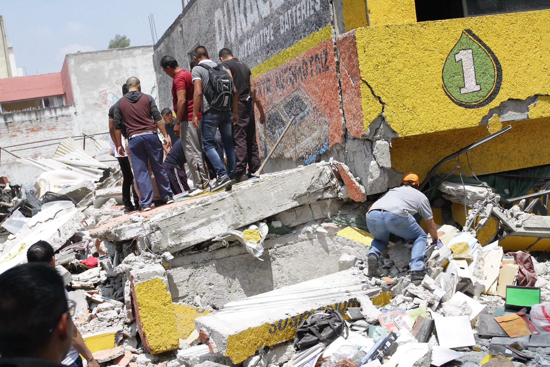 Se incrementa cifra de víctimas mortales tras sismo; suman 139