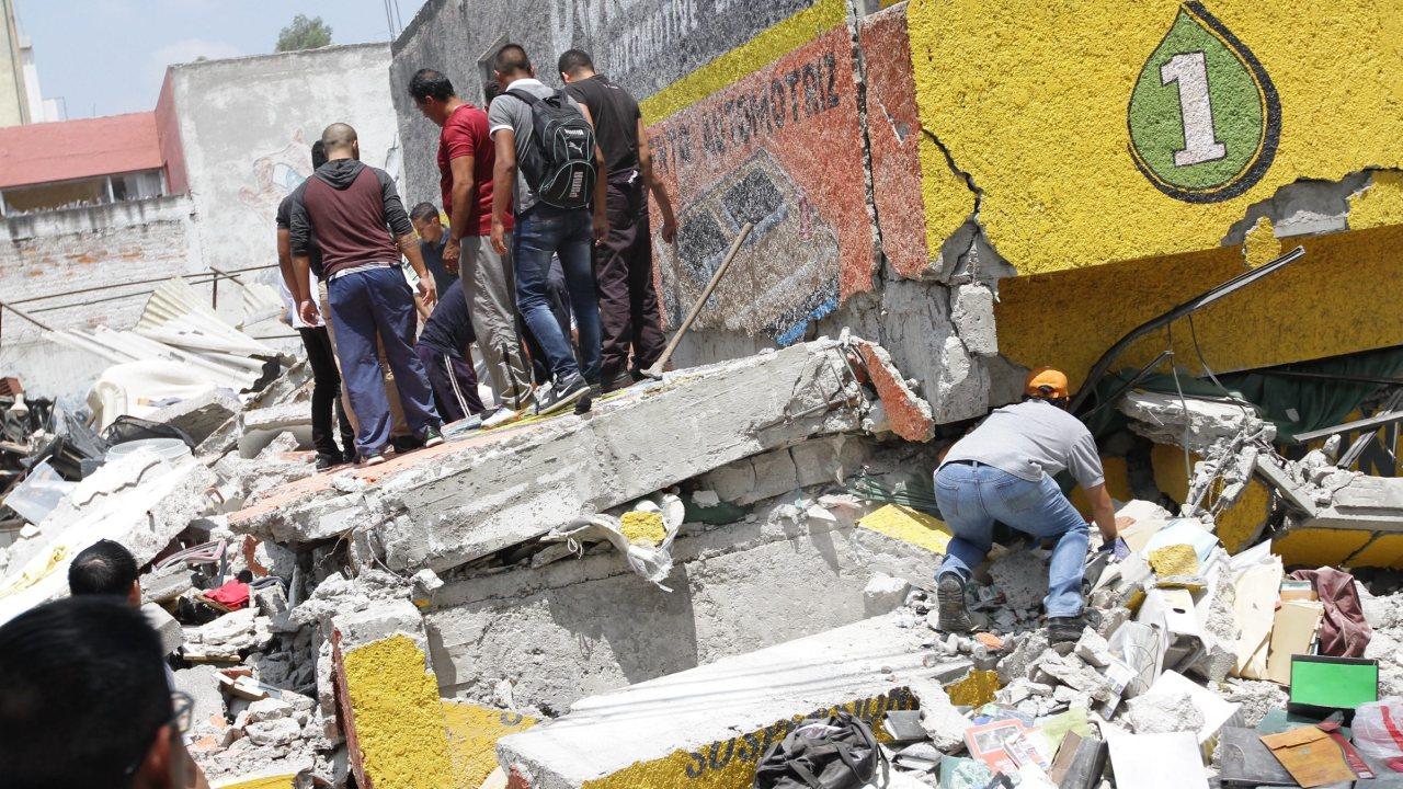 Suman 138 muertos por terremoto en México reporta Luis Felipe Puente
