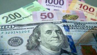 El dólar cierra en 18.10 pesos