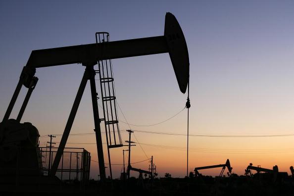 Precio de la gasolina podría aumentar por 'Harvey'