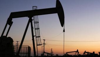 El paso de 'Harvey' en Texas afecta los precios del petróleo
