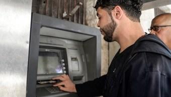 Hacienda y CNBV avalan operación de banco coreano
