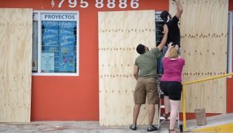 Huracan Irma podria dejar electricidad tres meses Puerto Rico