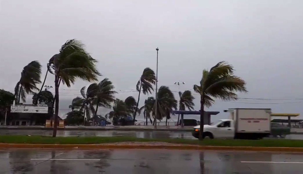 huracan max se acerca a las costas de guerrero