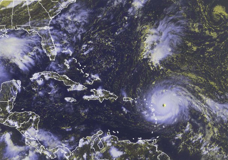 Irma llega a República Dominicana y destroza todo a su paso