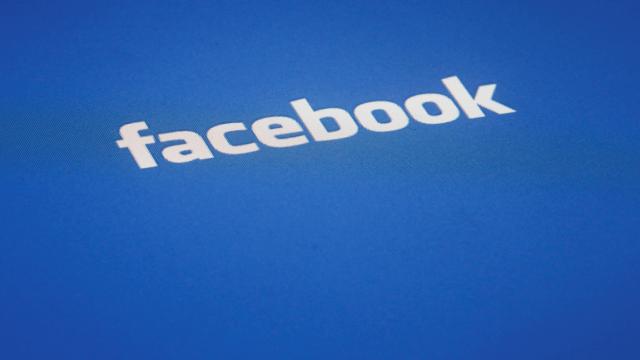Letrero de la red social Facebook