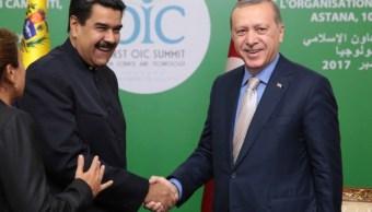 Maduro se reúne con Erdogan y Rohani en cumbre de países islámicos en Kazajistán
