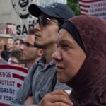 Trump pide a Corte Suprema mantener prohibición de entrada de refugiados en EU