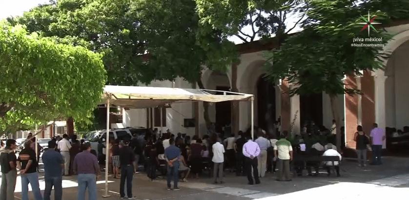 Misa en atrio de catedral de Tehuantepec tras sismo