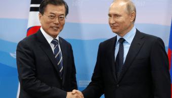 Los presidentes de Corea del Sur y de Rusia,