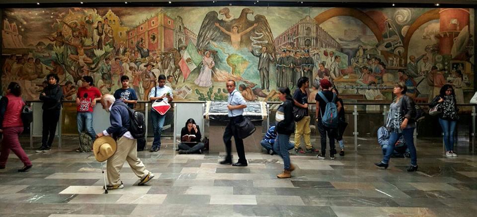 """Mural """"La Universidad en el Umbral del Siglo XXI"""", de Arturo García Bustos."""