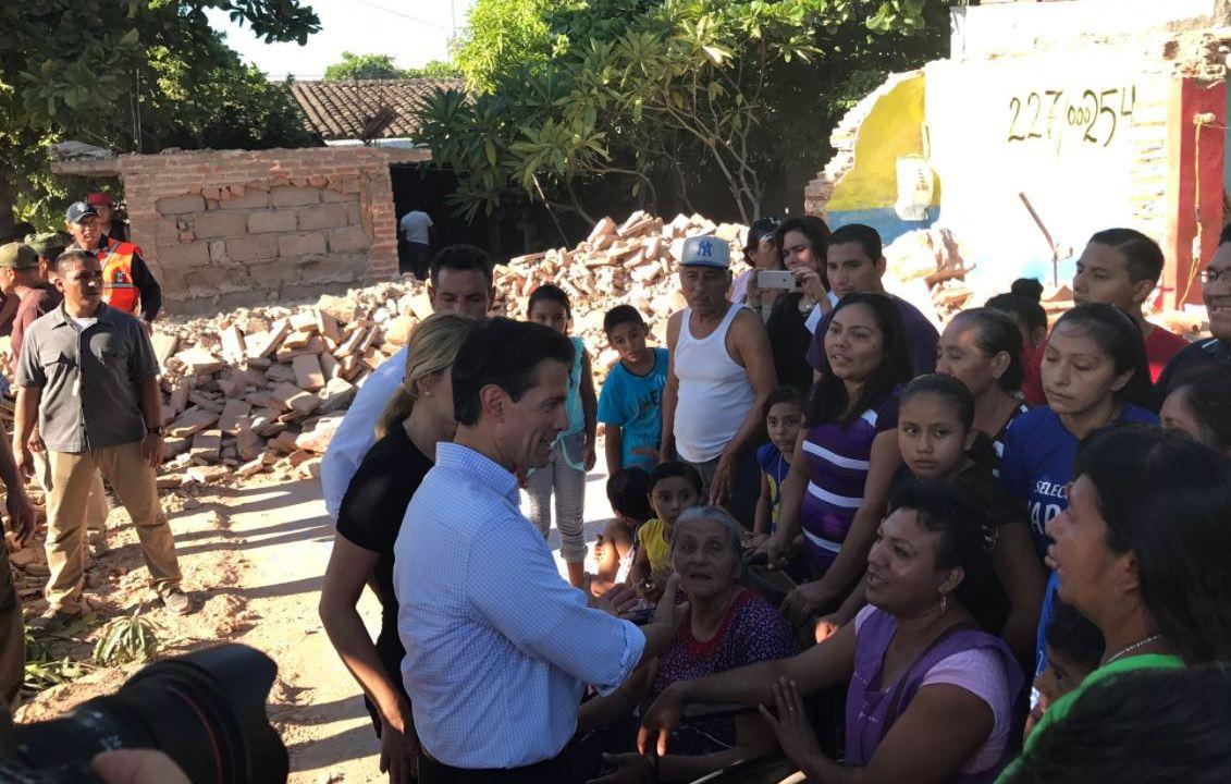 EPN recorre por segunda ocasión a zona afectada por sismo en Oaxaca