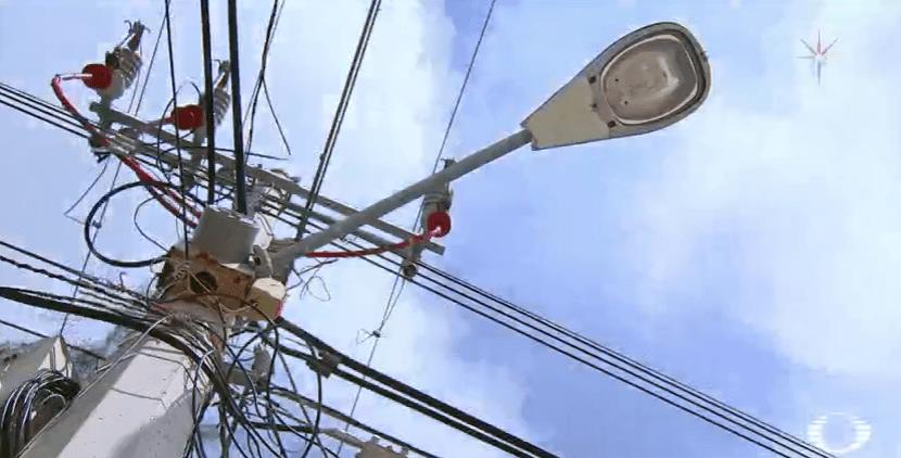 Poste de electricidad en la Isla de Holbox, Quintana Roo