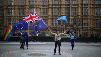 Legisladores britanicos respaldan proyecto crucial Brexit