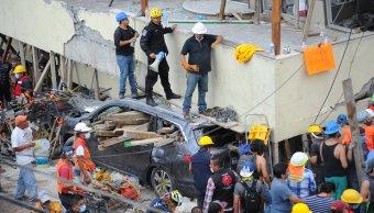 Reportan 32 ninos 5 adultos muertos Colegio Enrique Rebsamen