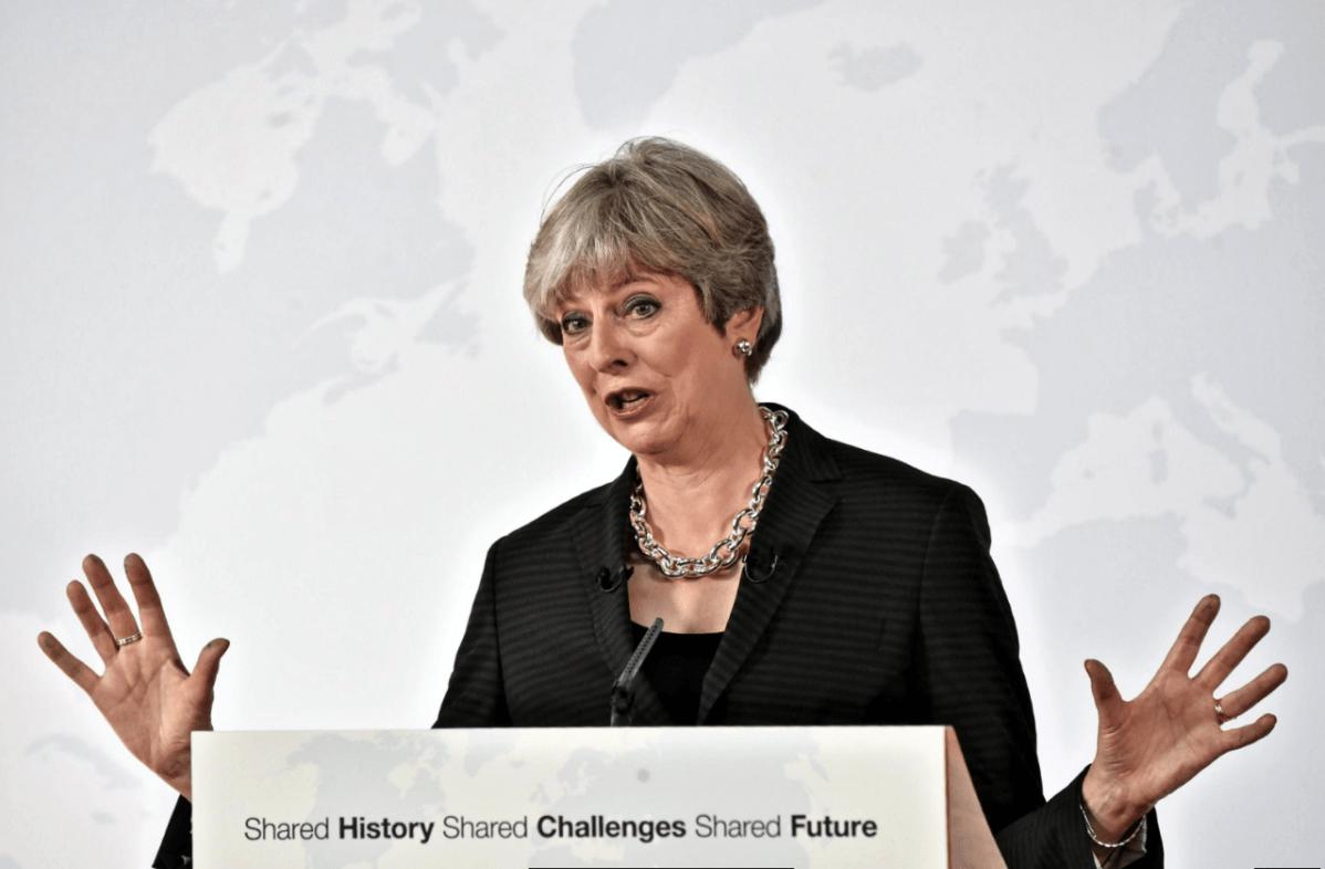 Theresa May pide dos años de transición para abandonar la UE
