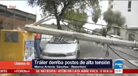 Tráiler Derriba Postes Inmediaciones Hospital La Villa
