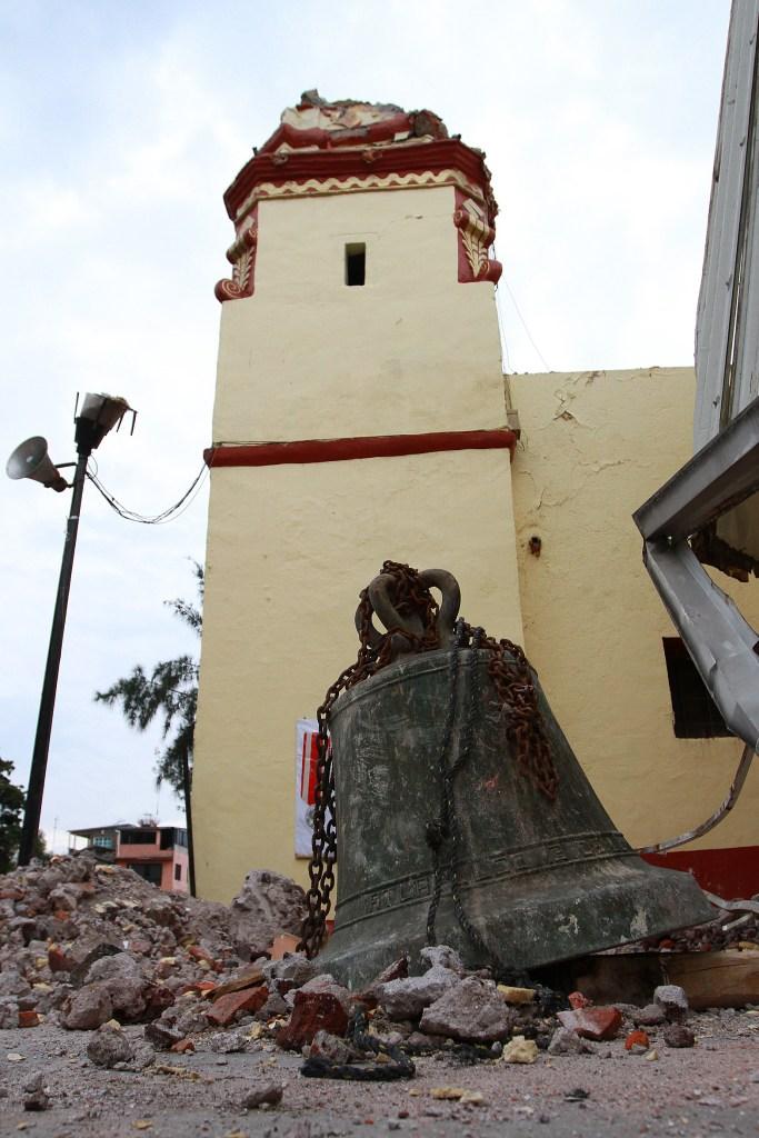 Iglesia dañada en San Gregorio Atlapulco, Xochimilco