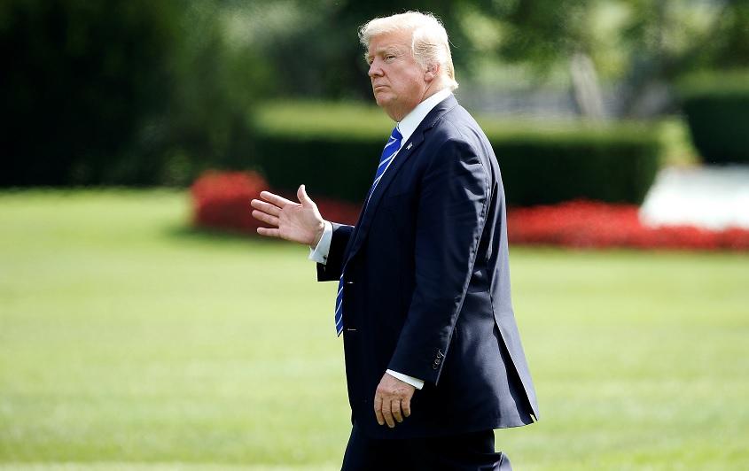 Trump reitera que desmantelará el Obamacare