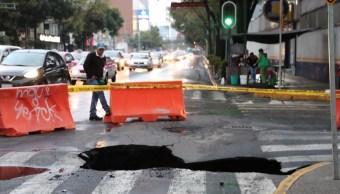 varios socavones afectan las calles de la cdmx