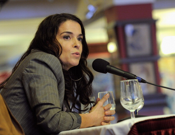Actriz Annabella Sciorra acusa al productor Harvey Weinstein de violación