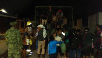 Desalojan habitantes de Tabasco por fuga de gas en ductor de Pemex