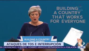 Theresa May quiere recuperar credibilidad durante discurso interrumpido por ataques de tos