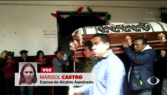 Sepultan al alcalde asesinado en Michoacán