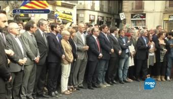 España rechaza la independencia catalana miles marcharon para defender la unidad