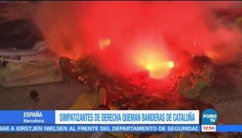 Simpatizantes de derecha en España queman banderas de Cataluña