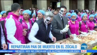 Extra, Extra: Repartirán pan de muerto en el Zócalo