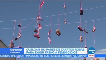Cuelgan cien pares de zapatos rosas en Chihuahua