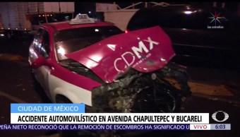 Choca camioneta contra taxi en Chapultepec y Cuauhtémoc