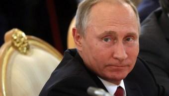 Putin festeja su cumpleaños 65 trabajando en el Kremlin