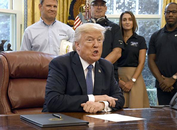 Trump envía al Congreso su plan para completar el muro con México