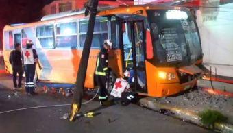 accidente en monterrey deja lesionados y apagón
